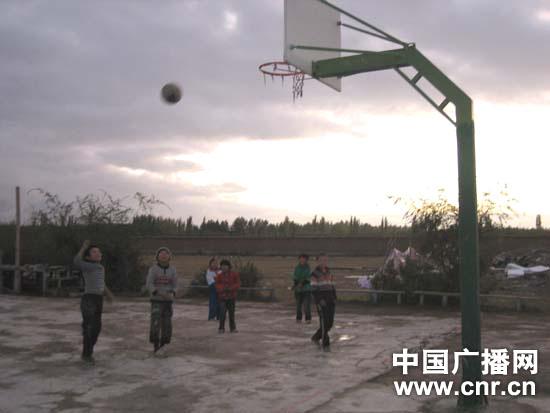 大山深处的柯尔克孜族学校