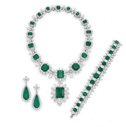 宝格丽祖母绿首饰套装   祖母绿及钻石首饰套装   宝格丽...