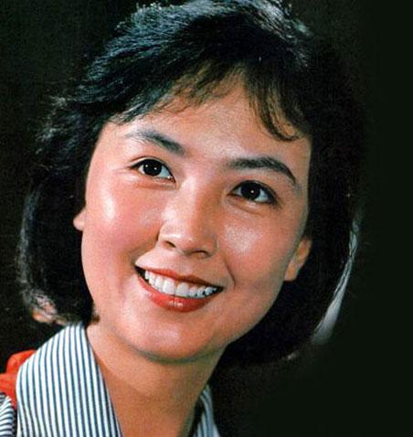 赵静/赵静1973年入河南曲艺团任演员,1976年从影,主演了《新风歌...
