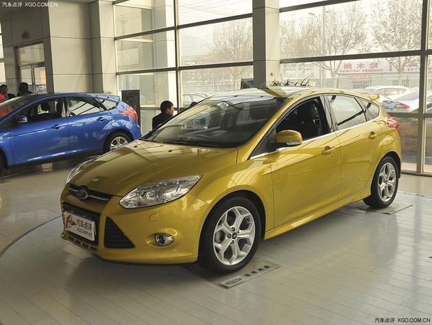 福特福克斯最高优惠1.5万元 现车销售