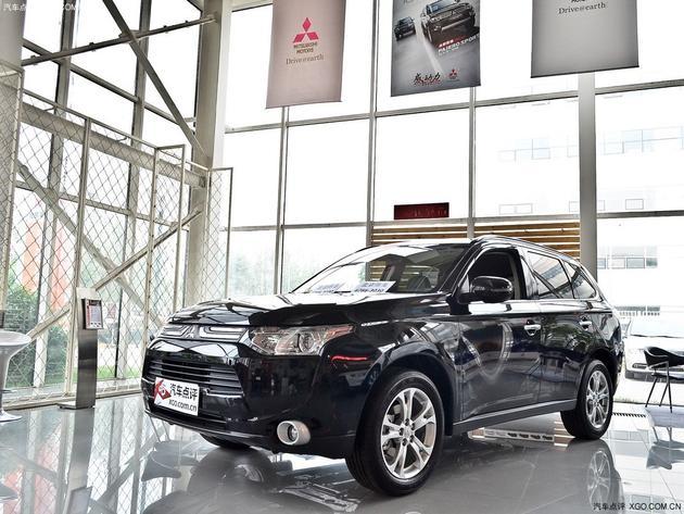 欧蓝德是三菱汽车第一款采用轿车底盘形式生产的suv,沿用了高清图片