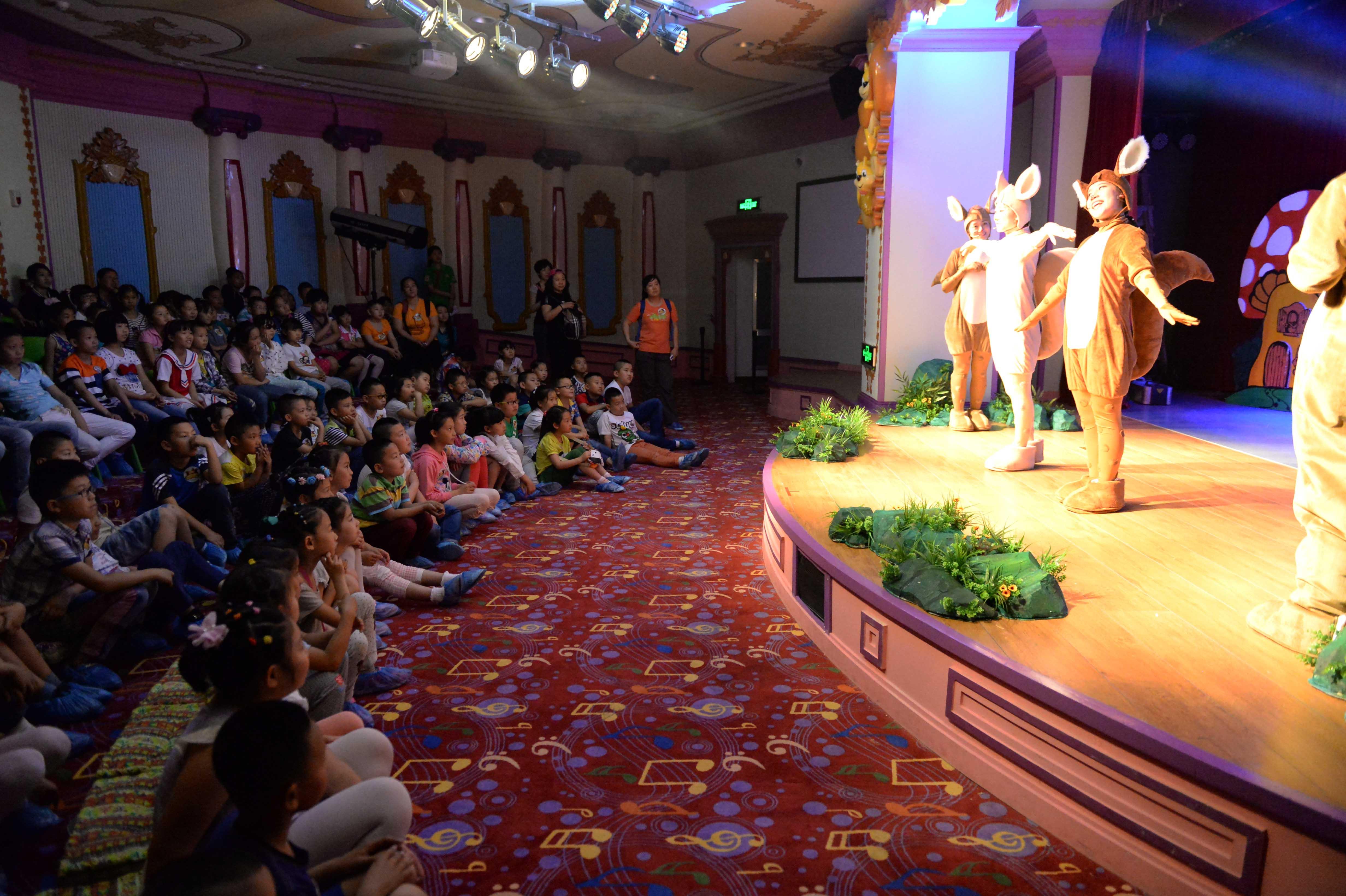 (锐视角)(2)哈尔滨:百个爱心家庭牵手百名留守儿童庆祝儿童节