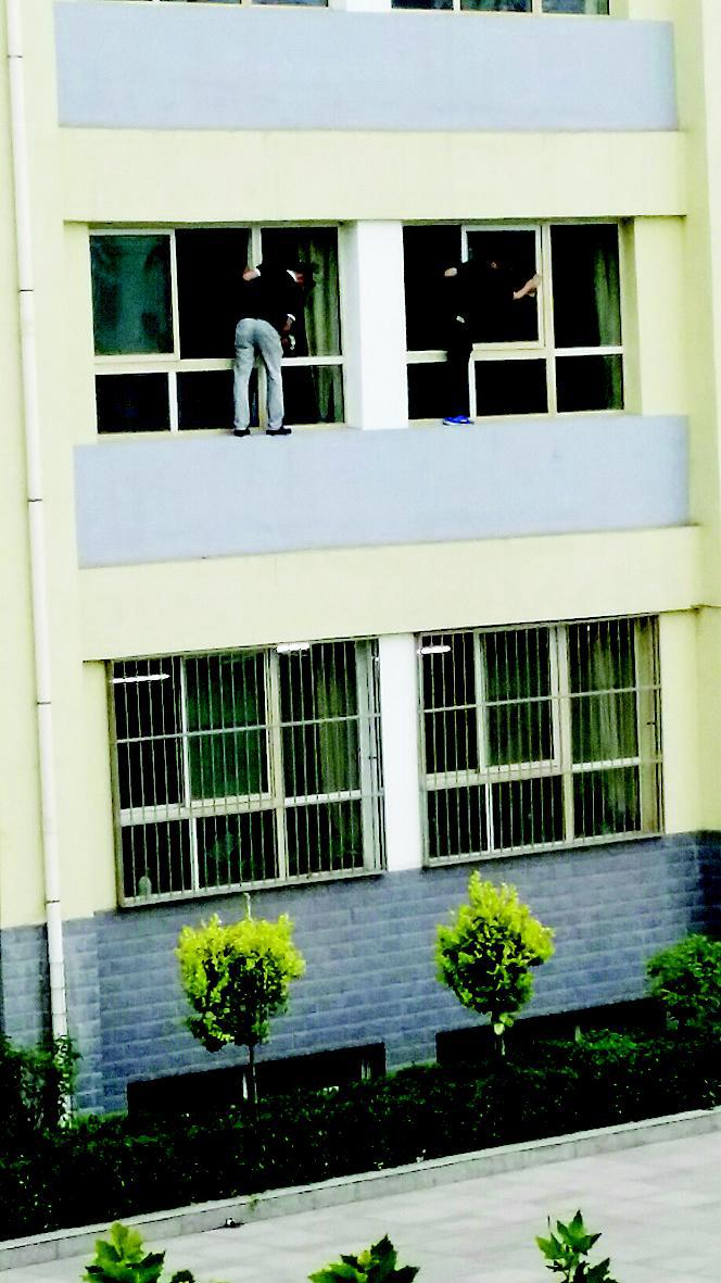 玻璃别墅二层小楼外观图片