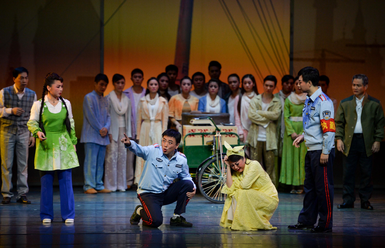 (锐视角)(2)湖南花鼓戏唱响苏州 《我叫马翠花》精彩亮相中国戏剧节
